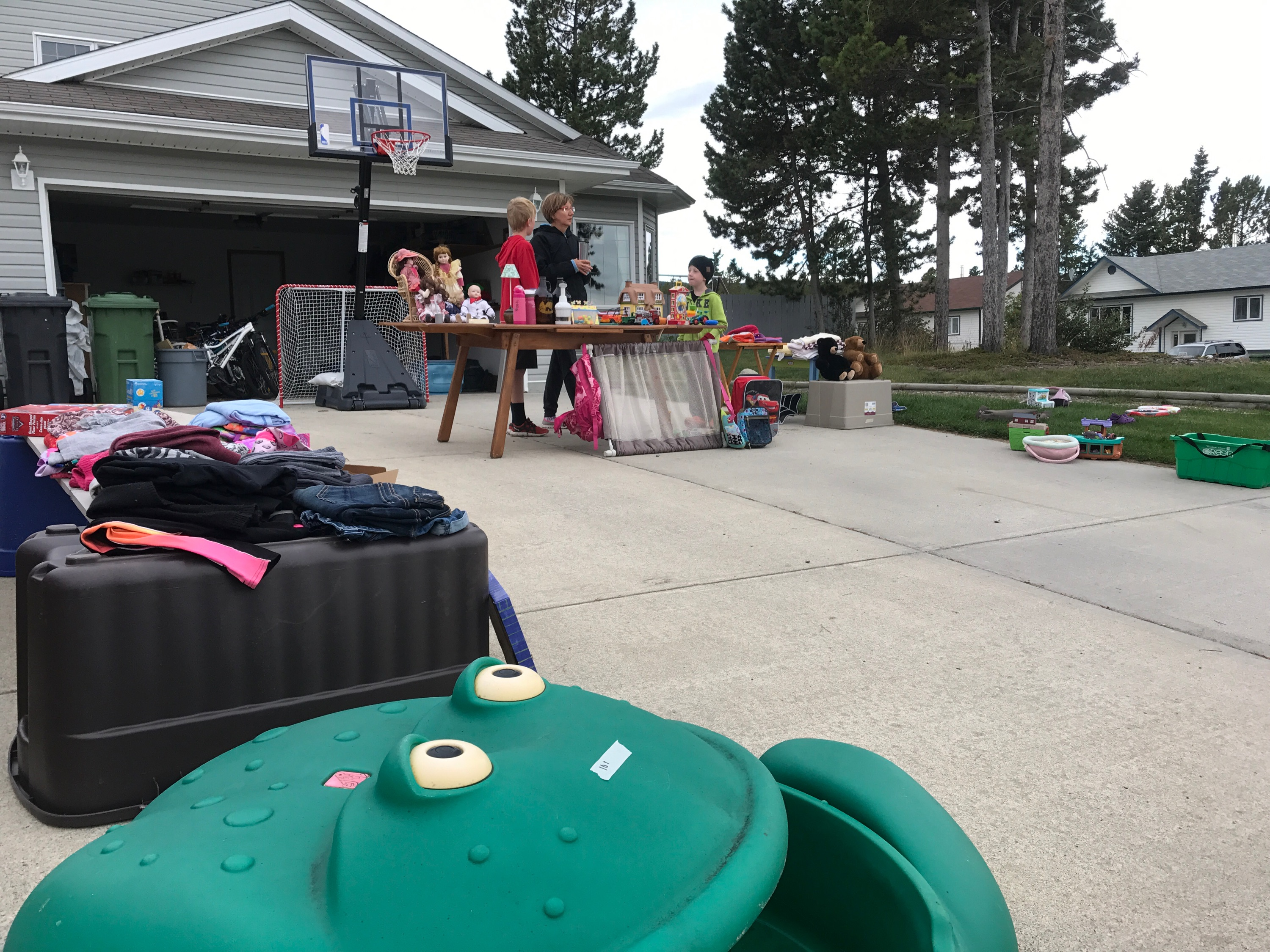 Garage sale at 1 Spinel Place in Copper Ridge today!