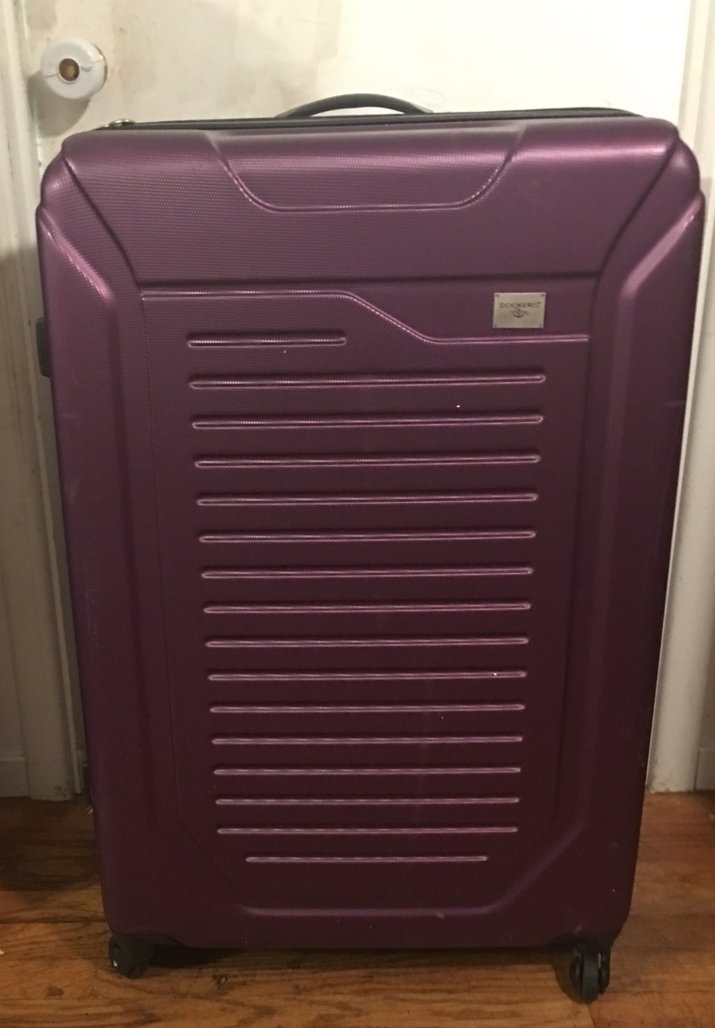Large hard shell spinner suitcase