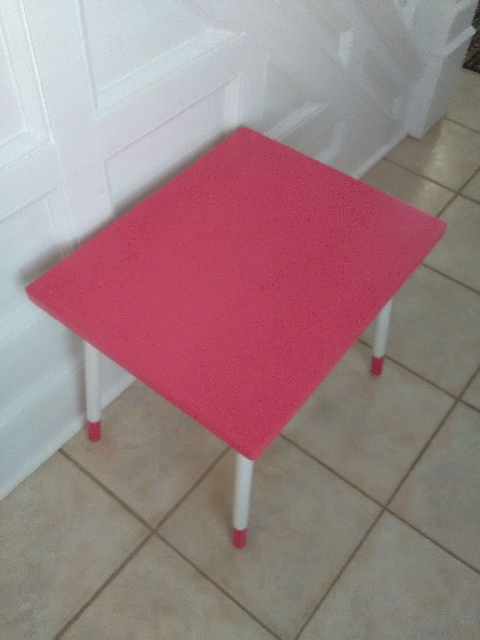 Child's table