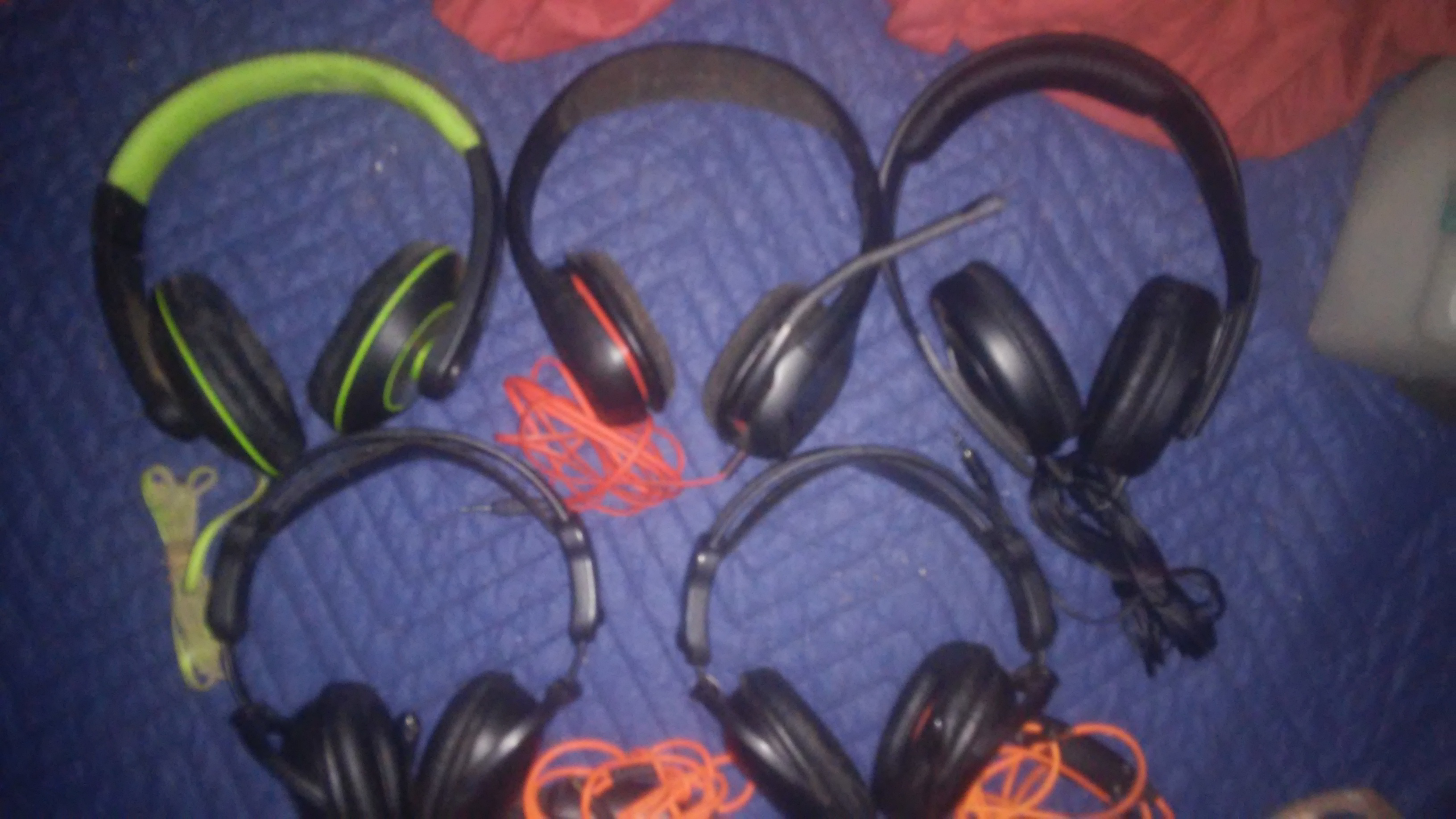 5 Headsets, 3 with microphone, All for 20!!