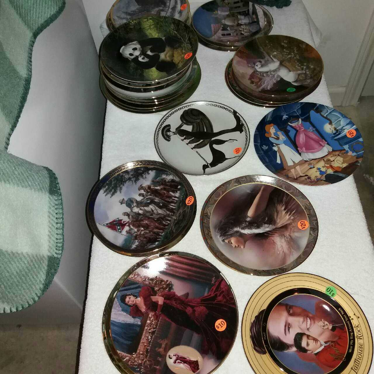 BEAUTIFUL COLLECTORS PLATES SELLING FOR $10 & $20