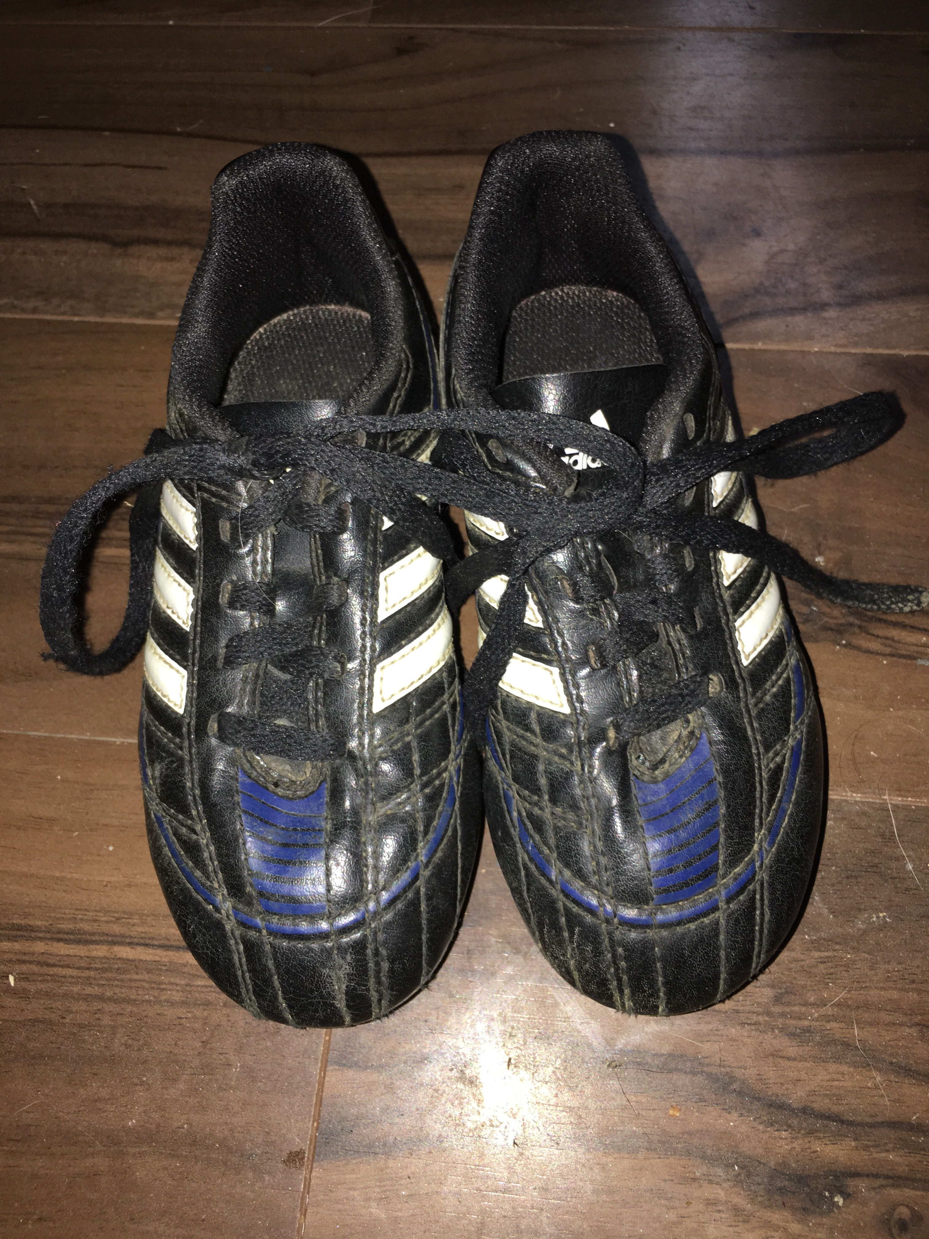Adidas Size 10 Kids Soccer Cleats