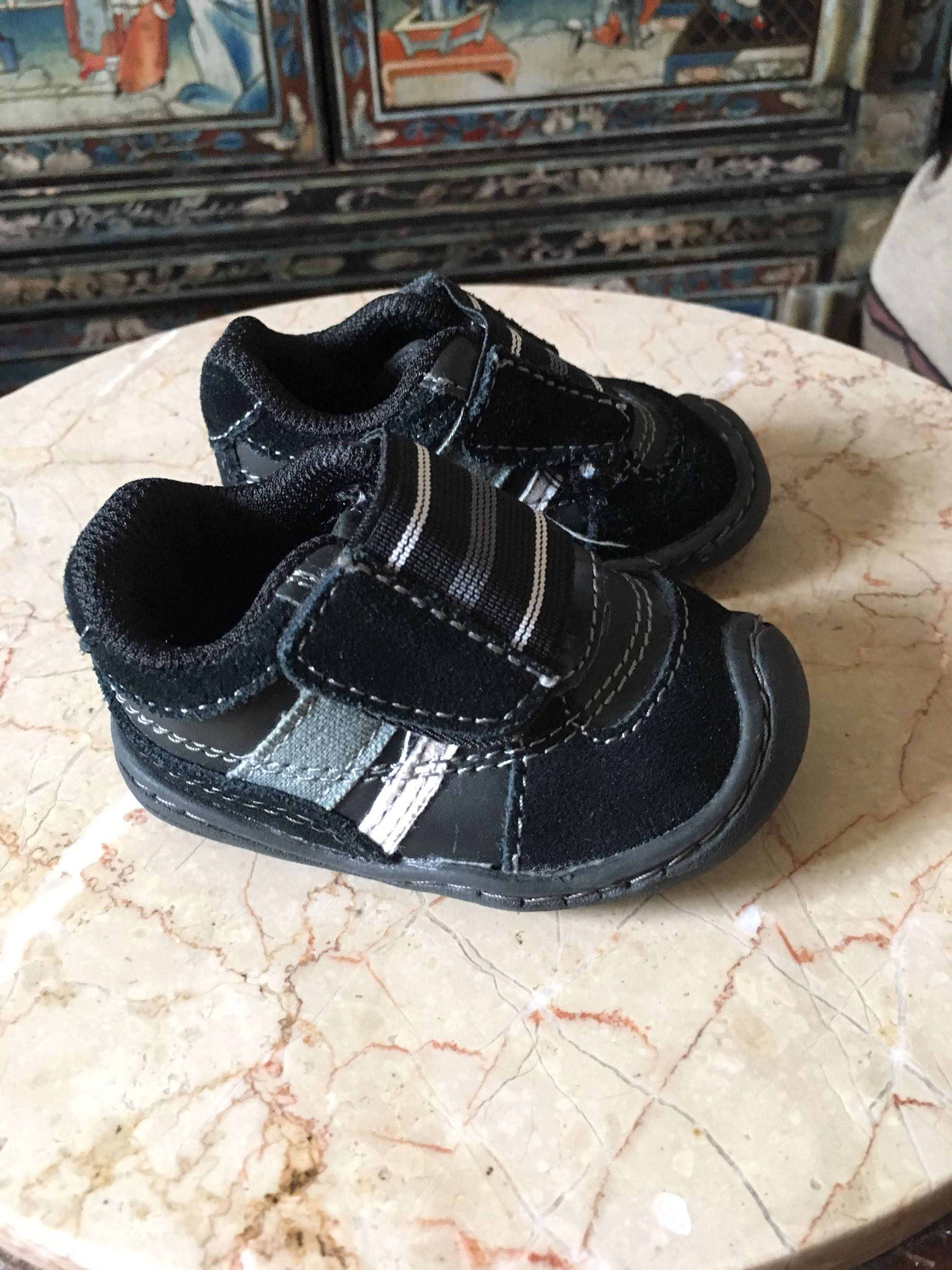 Journeys Velcro shoes (baby size 2) like new