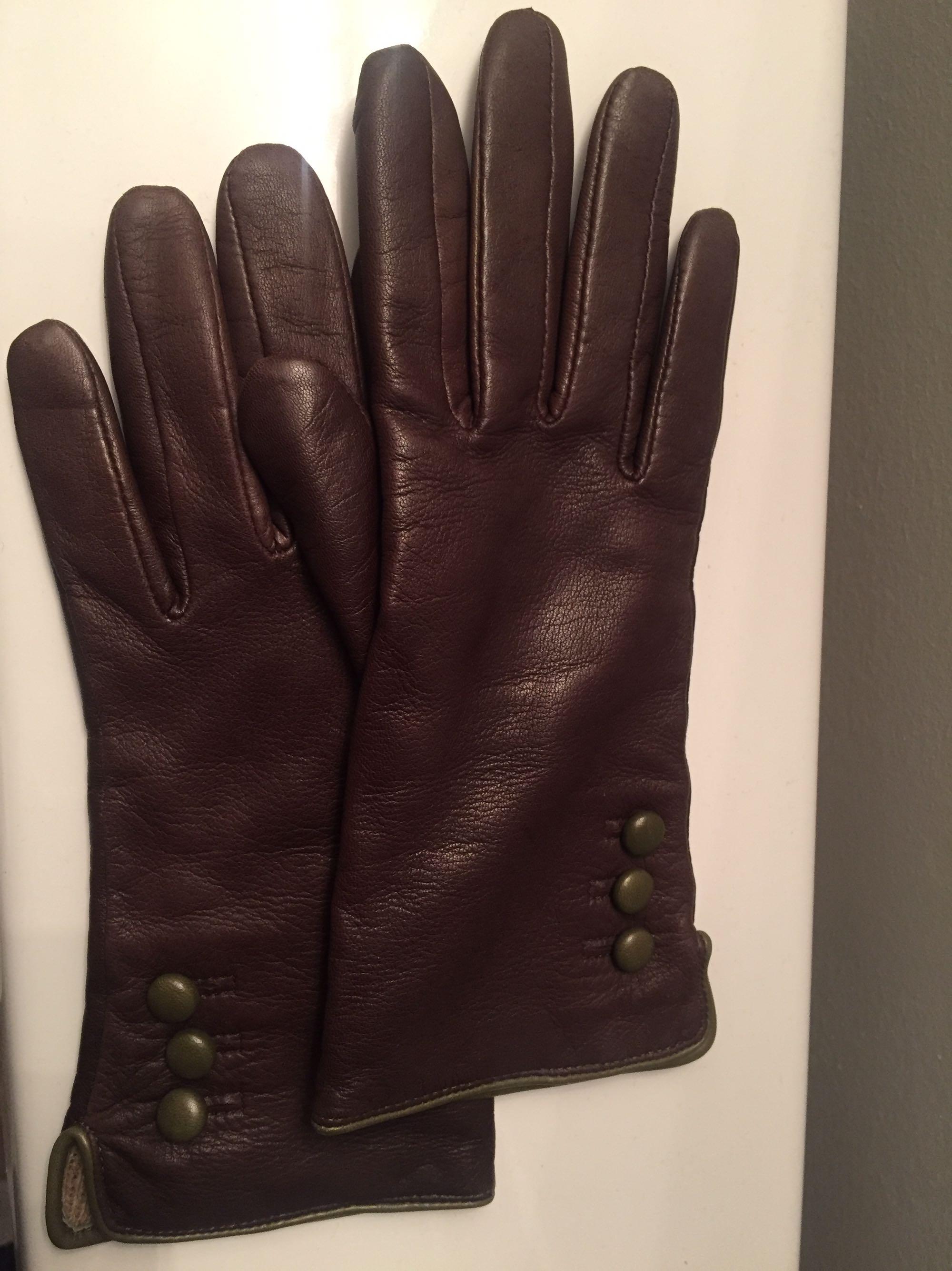 Danier brown leather gloves