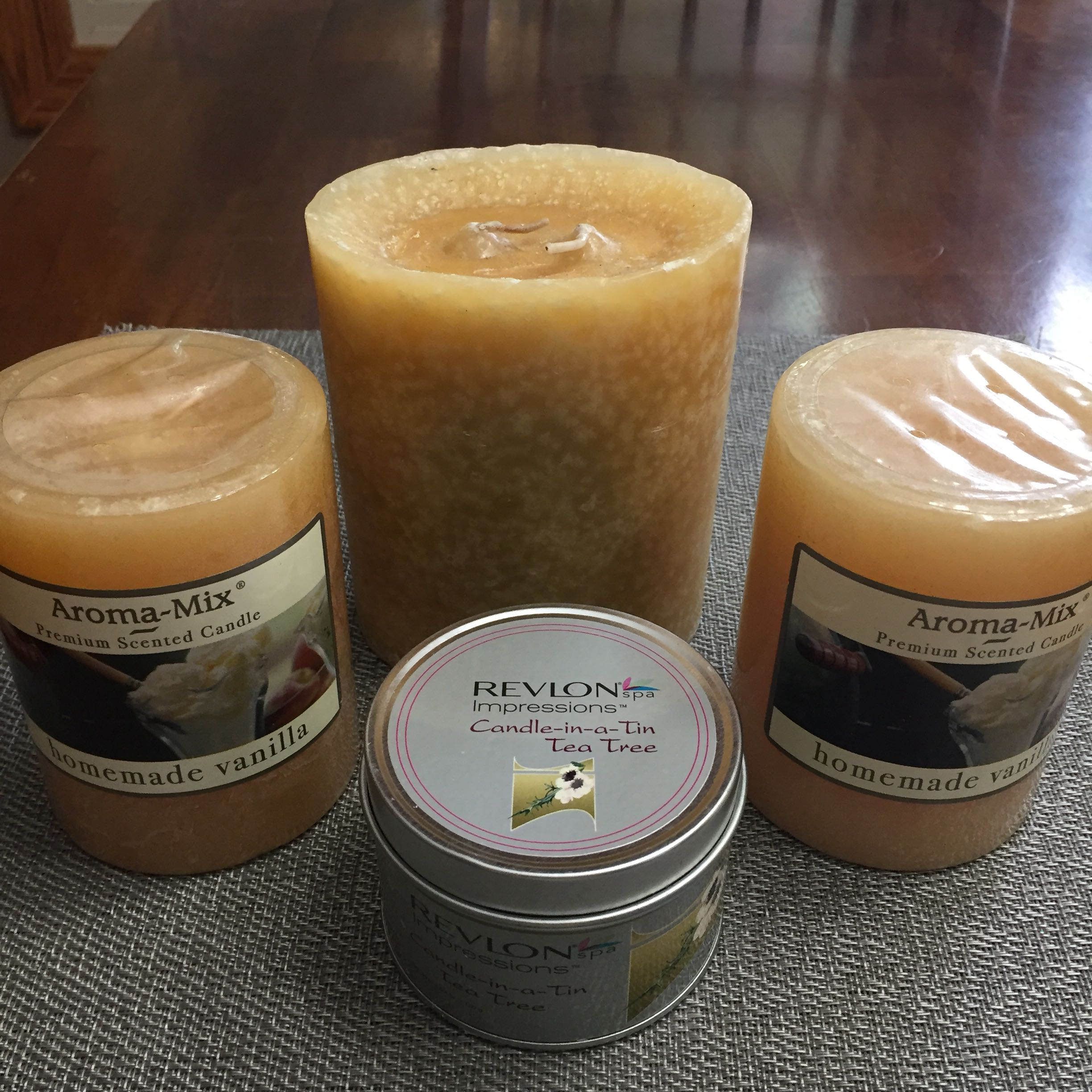 Lot of 4 New Candles