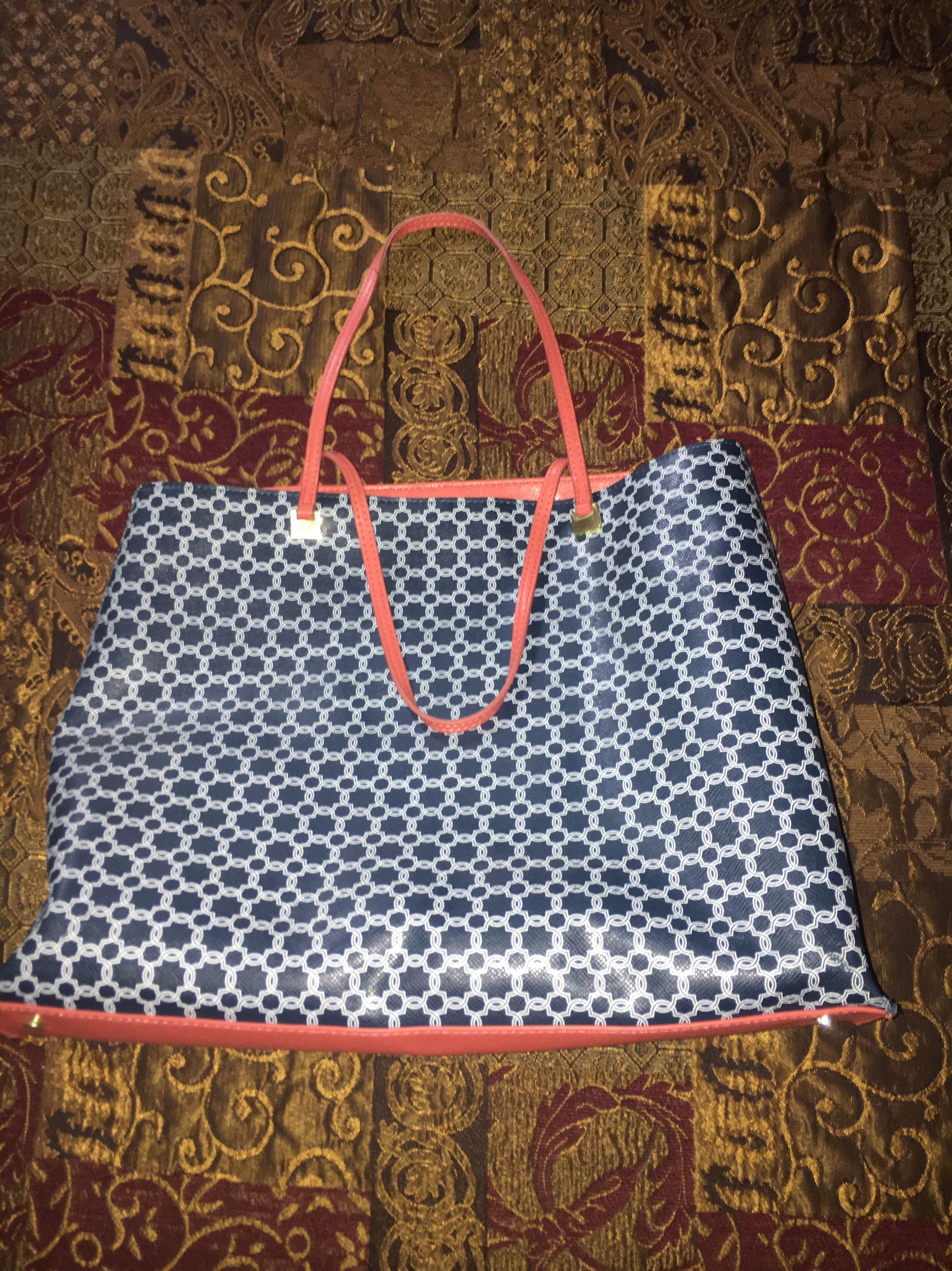 Ivanka Trump hand bag