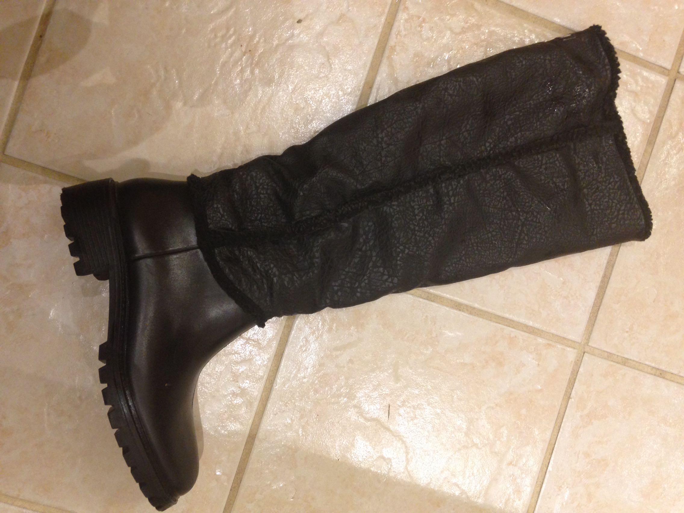 "Ladies Cougar ""Storm"" winter boots size 10M"