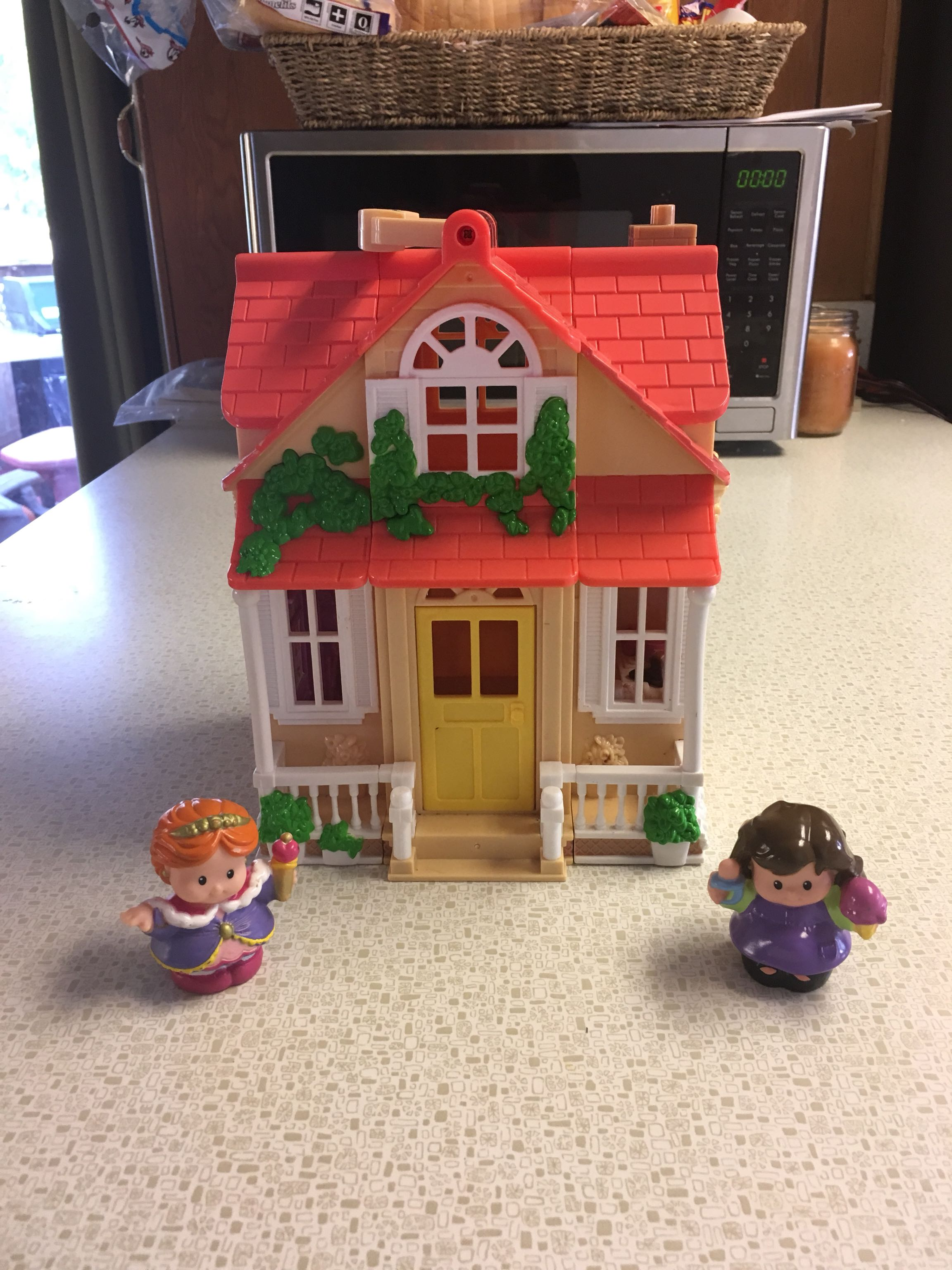 Fisher-Price Little House and some little people smoke free pet free home