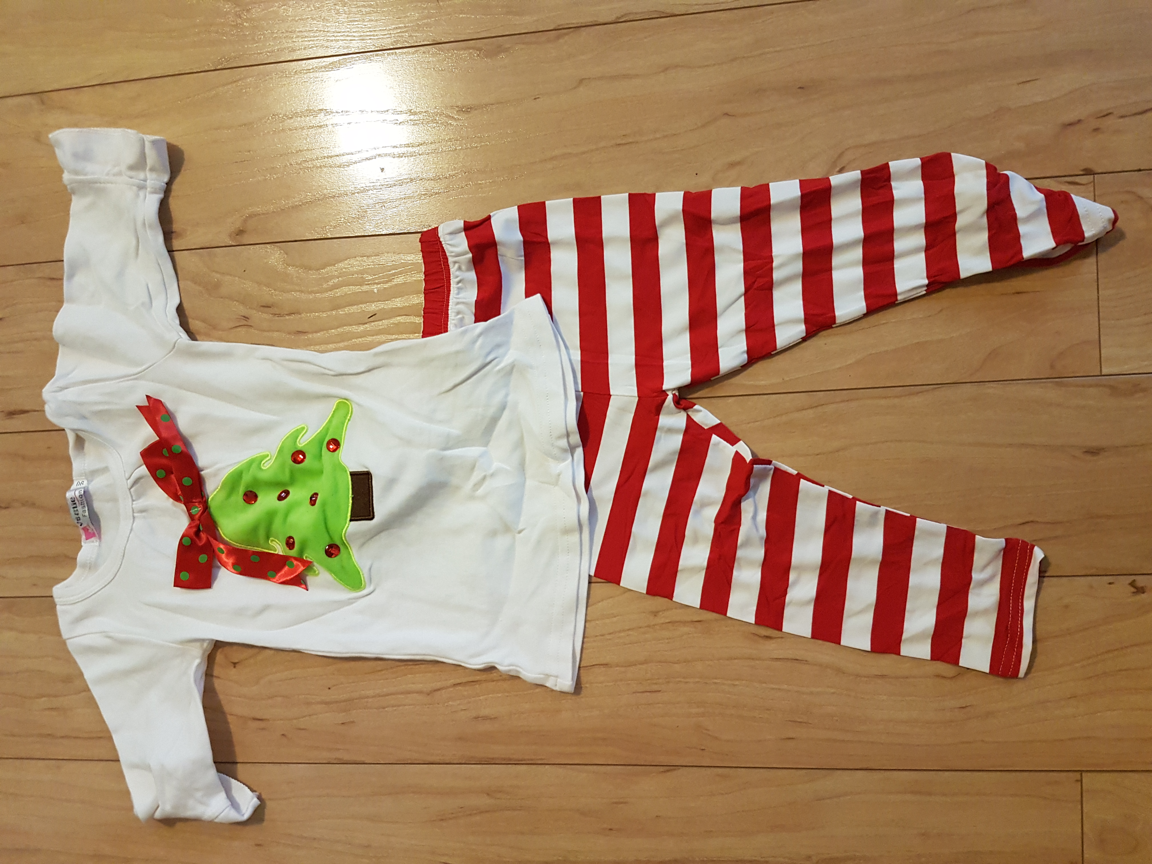 EUC Christmas outfit 18-24 months. Nw pick up off Rochdale. No holds