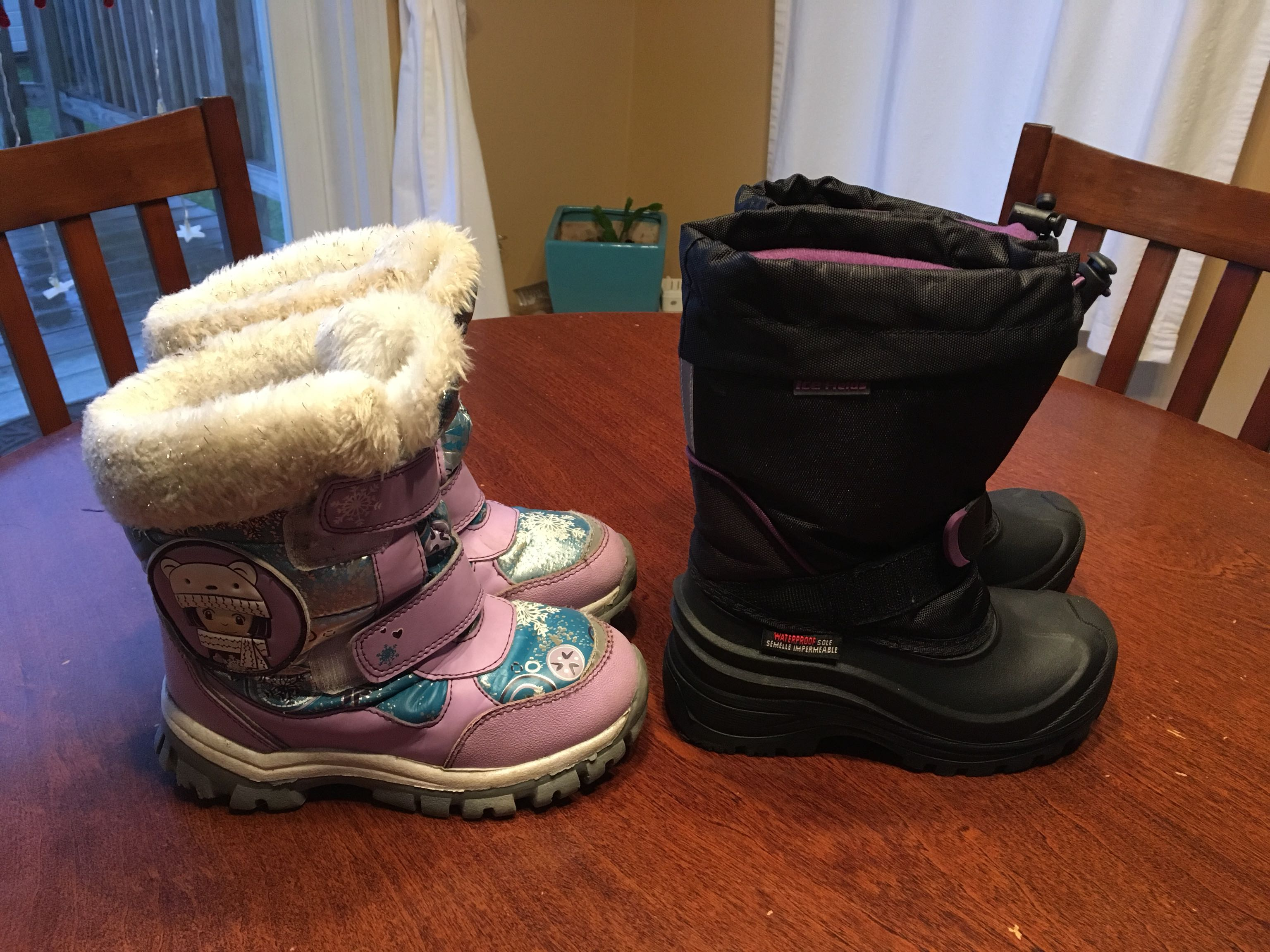 Girls size 13 winter boots