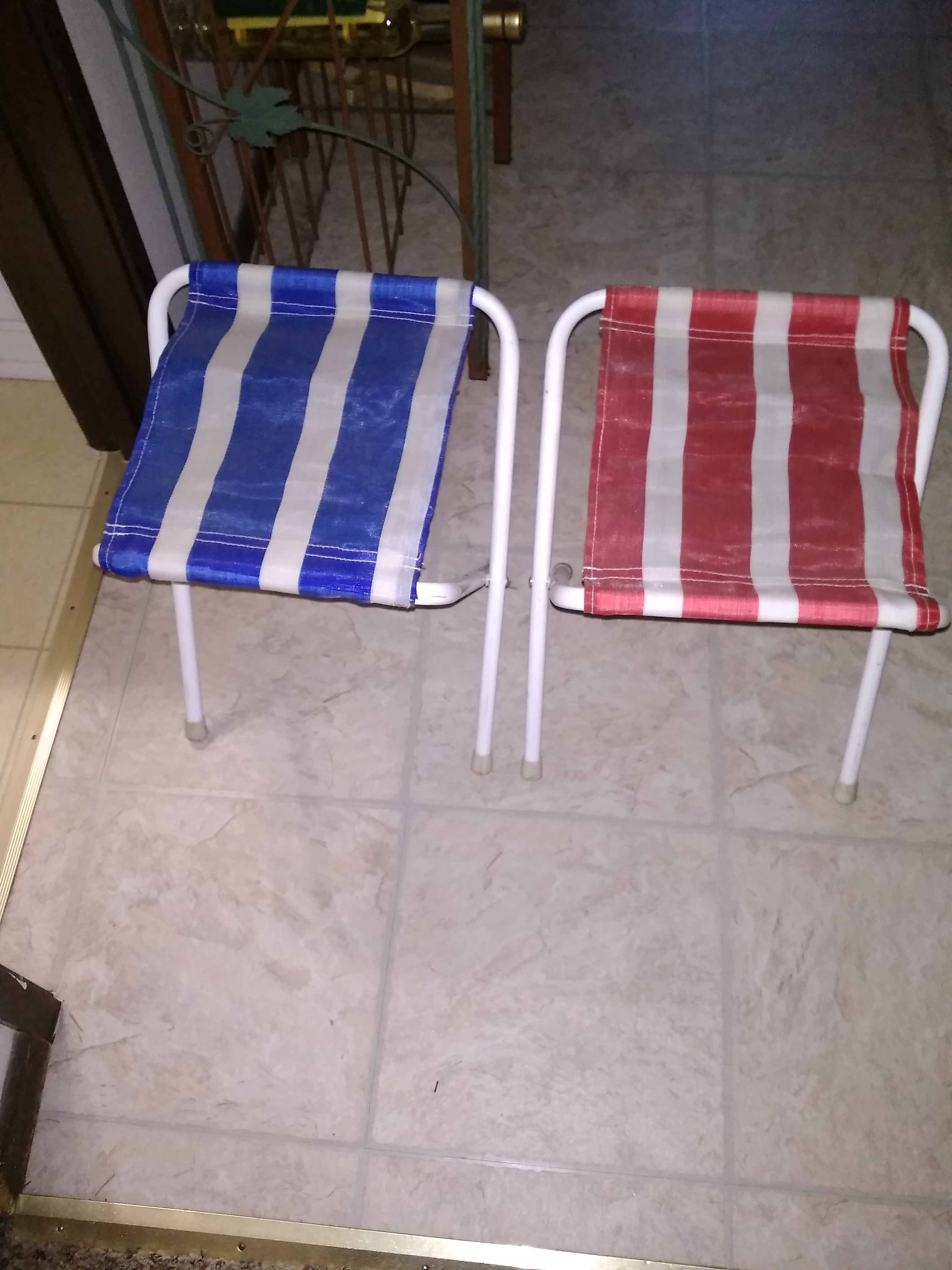Folding camp chairs CROSS POSTED