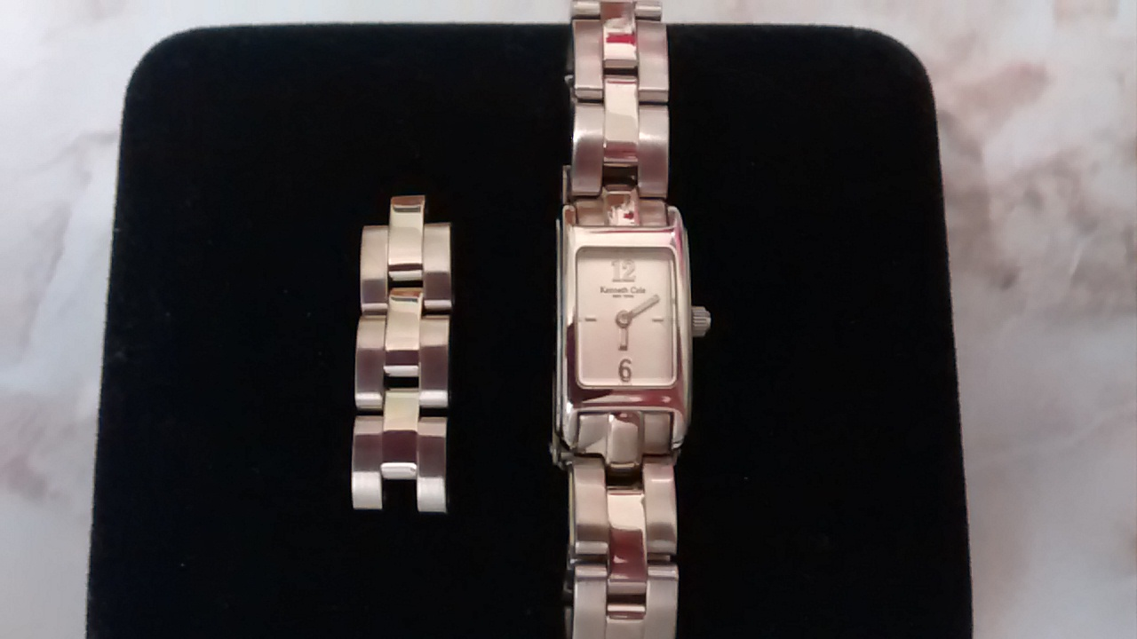 EUC Womens Sterling Silver Kenneth Cole Watch w 3 extra links