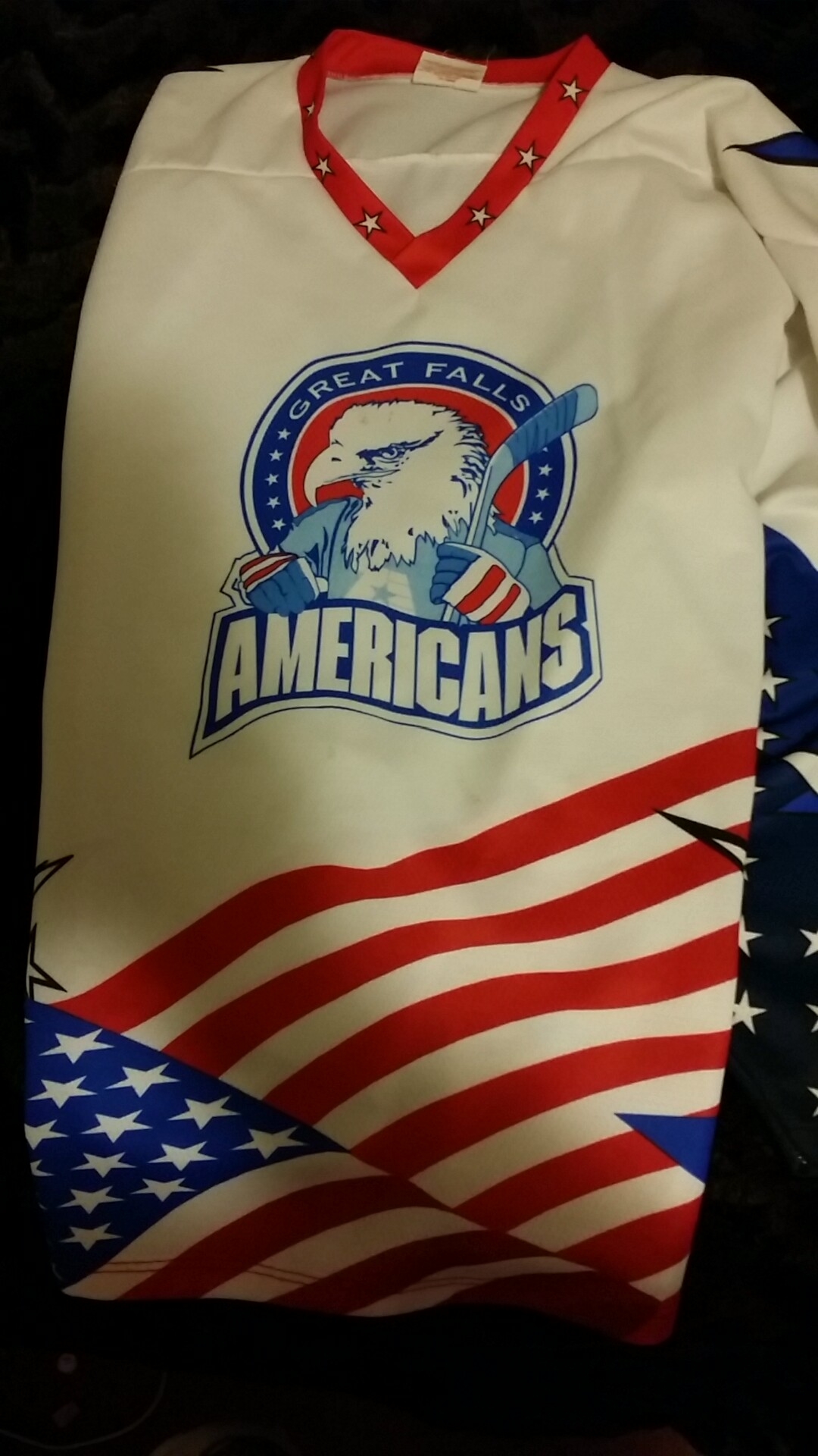 Americans hockey jersey large.