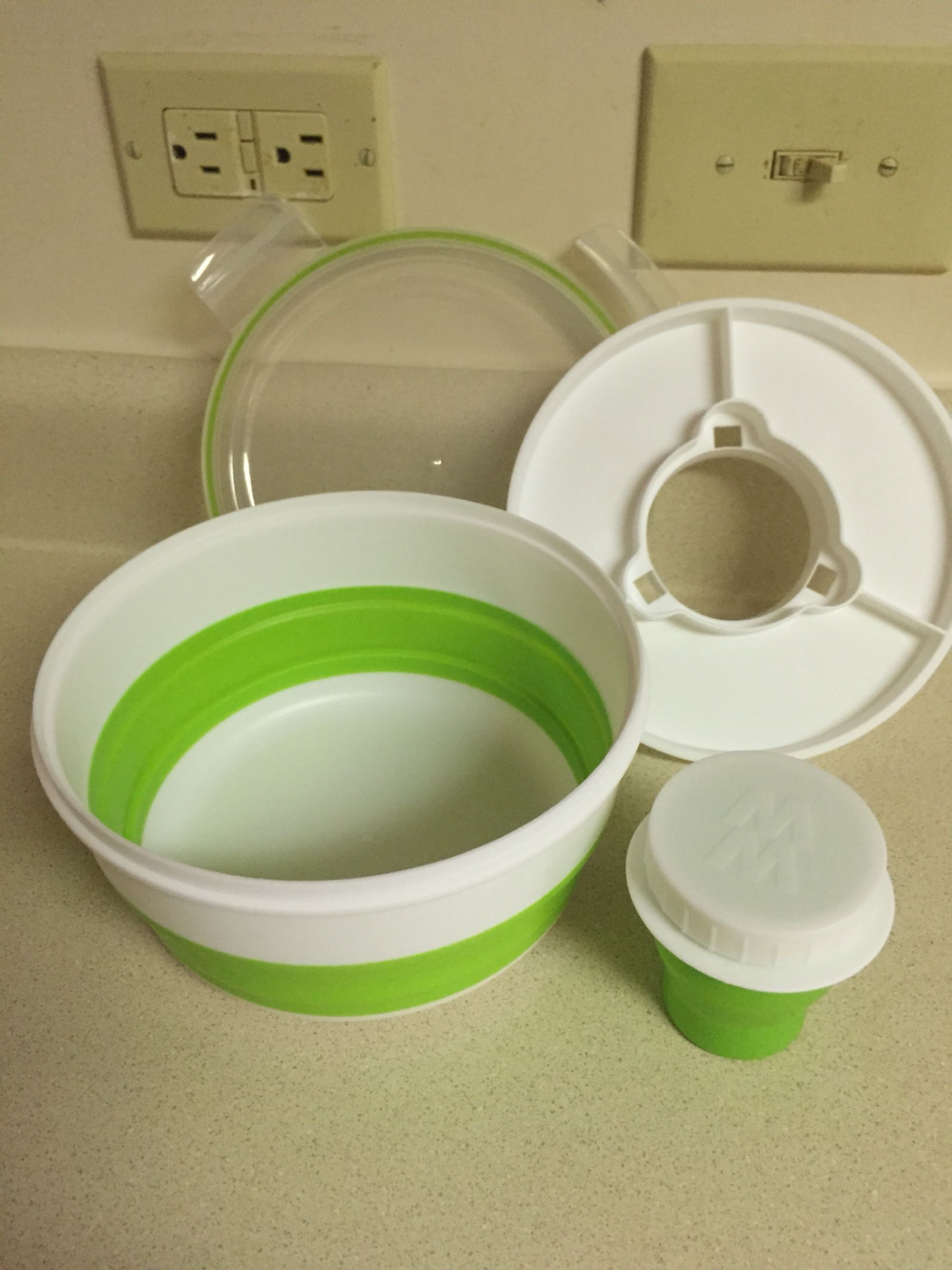 Weight Watcher Collapsible salad bowl