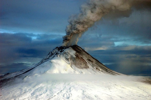 Augustine Volcano. Photo Credit: Game McGinsey. Image courtesy of U.S. Geological Survery.