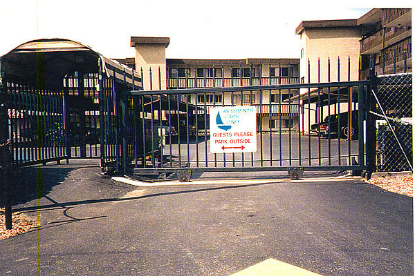 Industrial and commercial parking gates