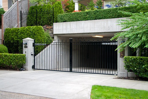 Seattle townhome community commercial gates