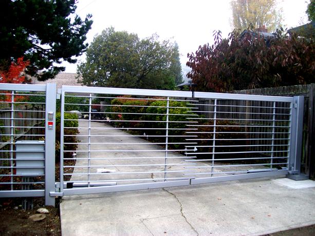 Des moines wa gate commercial gates seattle