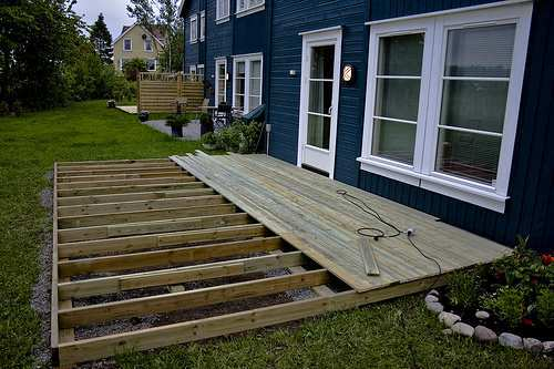 Building-outdoor-deck