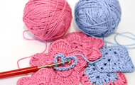 Crochet_blue_pink_yarn_hearts