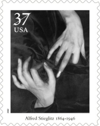 Hands_and_thimble__1920_(georgie_o'keeffe)__2002_masters_of_american_photography_postage_stamp