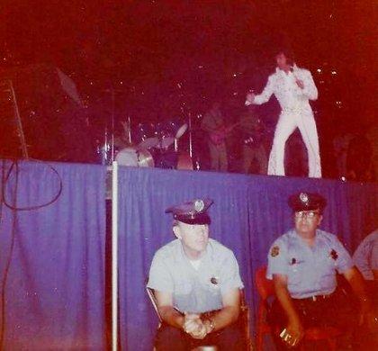 Elvis_1973_civic
