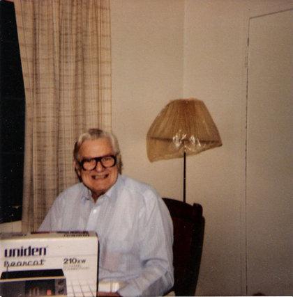 Henry-beitzel_bearcat-scanner_1980s