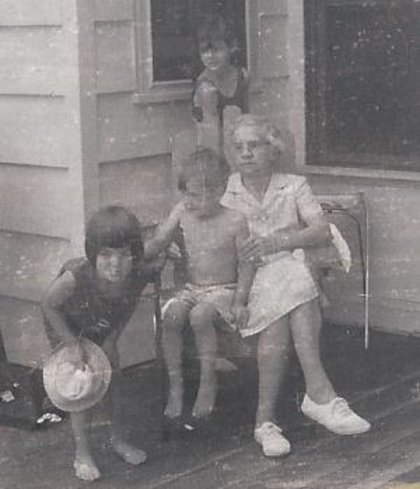 Mary_e._moore__jeanette_l._kenneth_l._barbara_e._moore