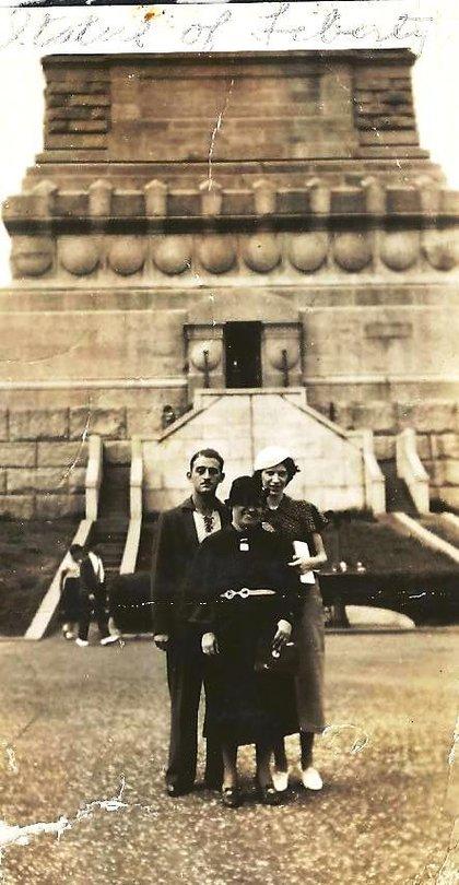 1936_helen__statue_ny