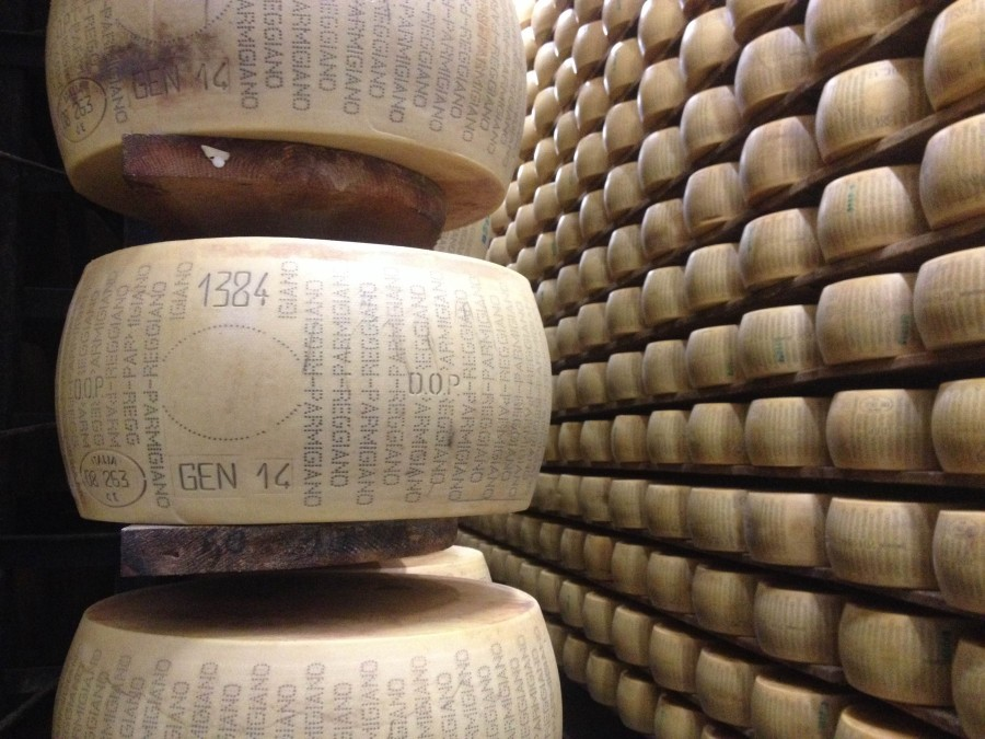 Parmigiano-Reggiano_wheel_on_shelf