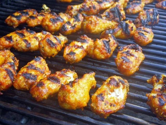 Honey bourbon sriracha fried grilled wings recipe