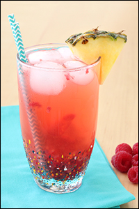 Hungry Girl's Pineapple-Berry Fizz