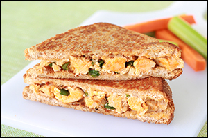 Hungry Girl's Buffalo Chicken Grilled Cheese