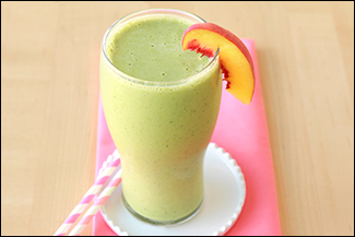 Hungry Girl's Peaches & Greens Smoothie