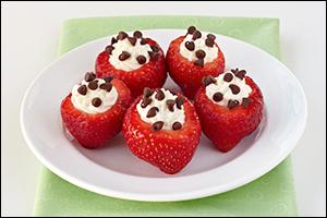Chocolate-Chip-Stuffed Strawberries
