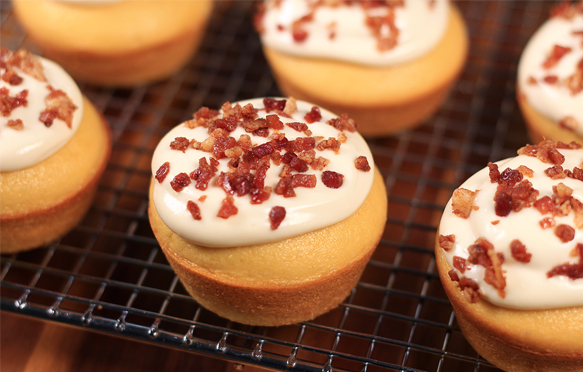 Ahhh... Maple-Bacon Cupcakes! (New Recipe)