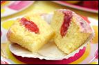 Hungry Girl's Strawberry Lemonade Cupcakes