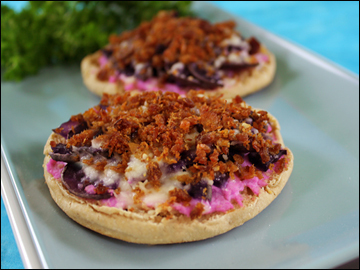 Purple Pizza Eaters PER SERVING 1/2 of recipe, 2 mini pizzas: