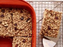 Healthy Cinnamon Raisin Oatmeal Bake Recipe