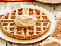 Healthy Pumpkin Spice Waffles Recipe