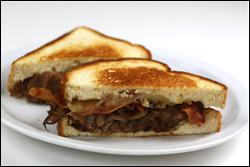 Applebee's Roast Beef, Bacon & Mushroom Melt