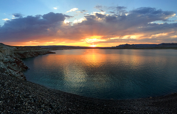The sun sets on Lake Powell's UT/AZ line.
