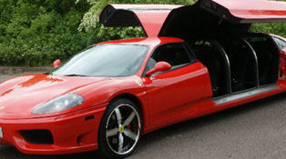 Small_ferrari_limousine