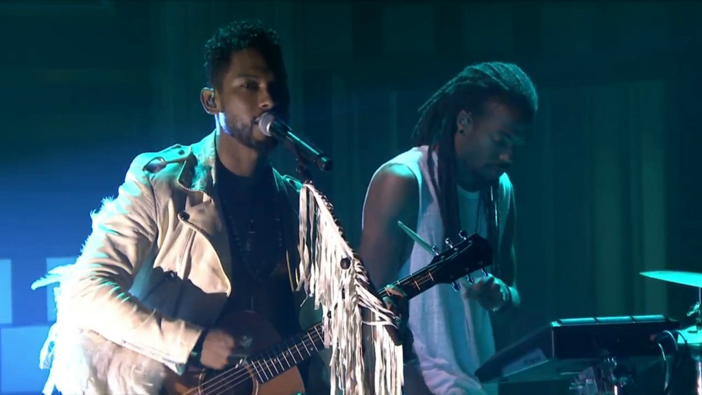 """Miguel Performs """"Simplethings"""" on 'The Tonight Show'"""