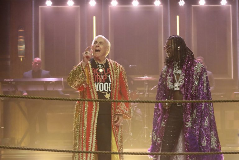 "Offset & Metro Boomin Perform ""Ric Flair Drip"""