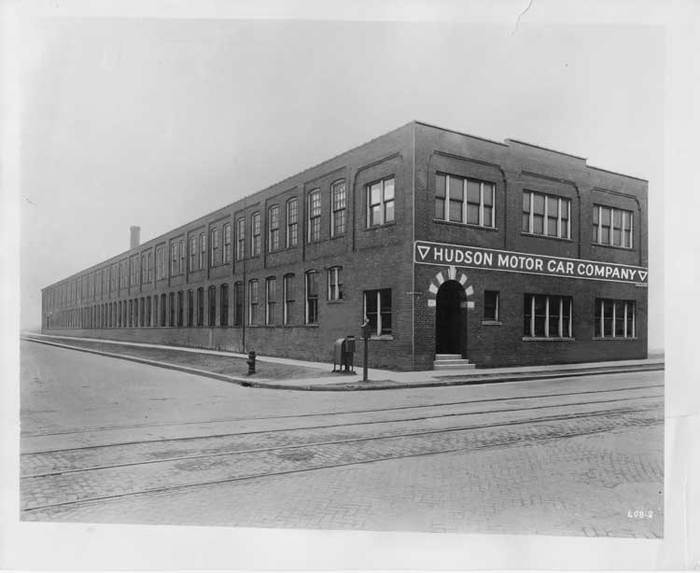 First_hudson_motor_car_company_factory_1909