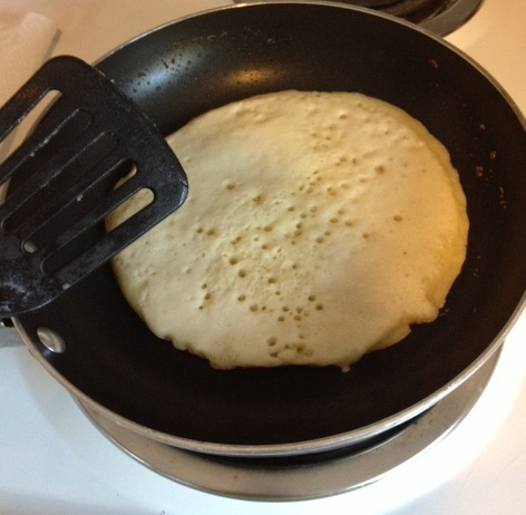 Easy Pancakes from Scratch--homemade buttermilk pancakes just like the diner makes!