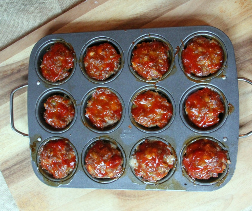 Meatloaf muffins—classic beef meatloaf topped with a ketchup sauce is kid friendly and delicious!