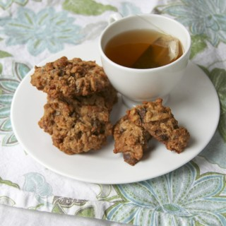 breakfast cookies with tea