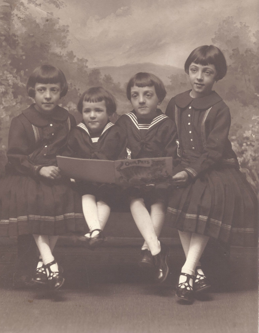four Italian children